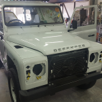Customized camel trophy land rover defender range rover sin heng long motor work car spray paint